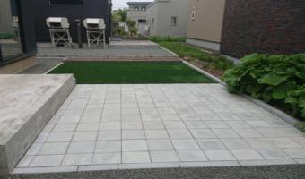 コンクリート平板・人工芝