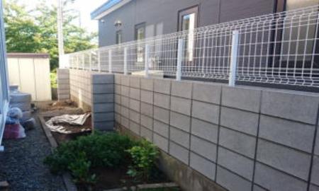 普通ブロック塀/スチール例1