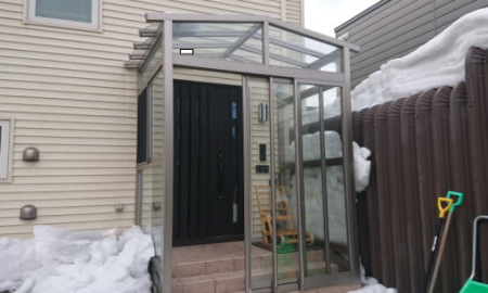 U型屋根付き/玄関風除室