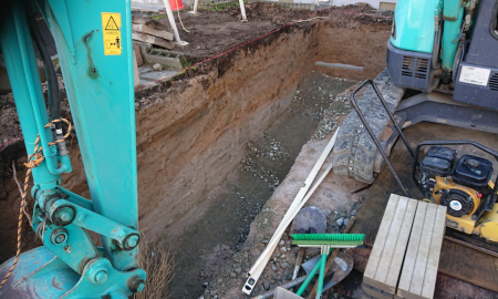 新規塀根掘り工事