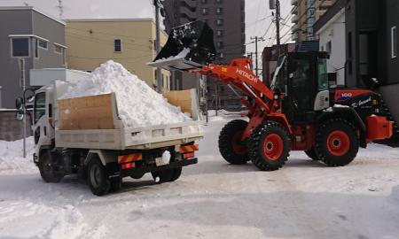 シーズン週一排雪作業積み込み2